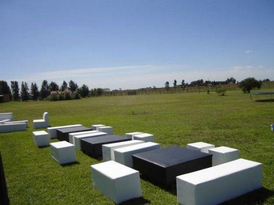 14-Alquielr de muebles para eventos.