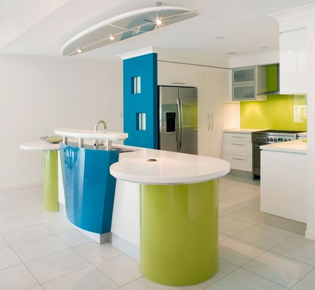 Cocinas decoradas modernas for Cool kitchen wall colors