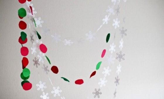 Como hacer guirnaldas de navidad corona esferas rojas - Guirnalda de navidad ...