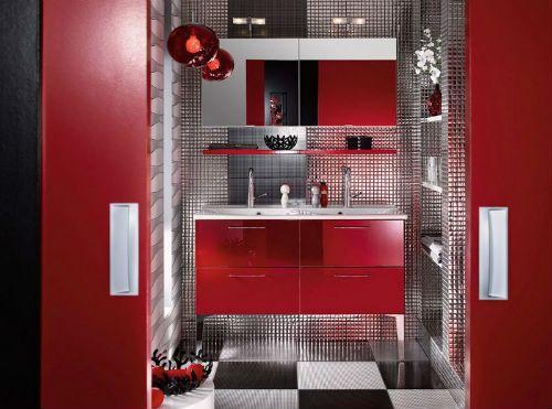 Baños Modernos Decorados:Grandes espejos, con brazos extensibles, con numerosas luminarias