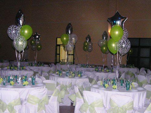 Centros de mesa con globos satinados