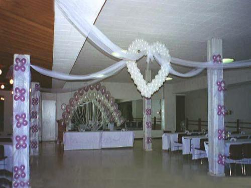 Como decorar un salón para 15 años con globos
