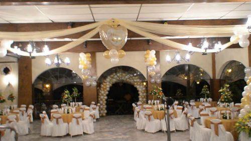 Como decorar una boda con globos