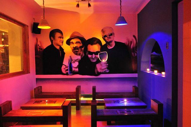 Como decorar un pub for Decoracion bares modernos