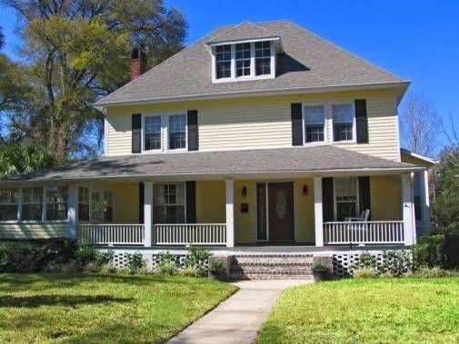 C mo decorar una casa americana for Casas techos cuatro aguas