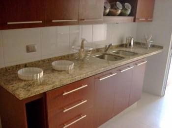 Pisos y mesetas de marmol para la cocina for Marmoles para cocinas