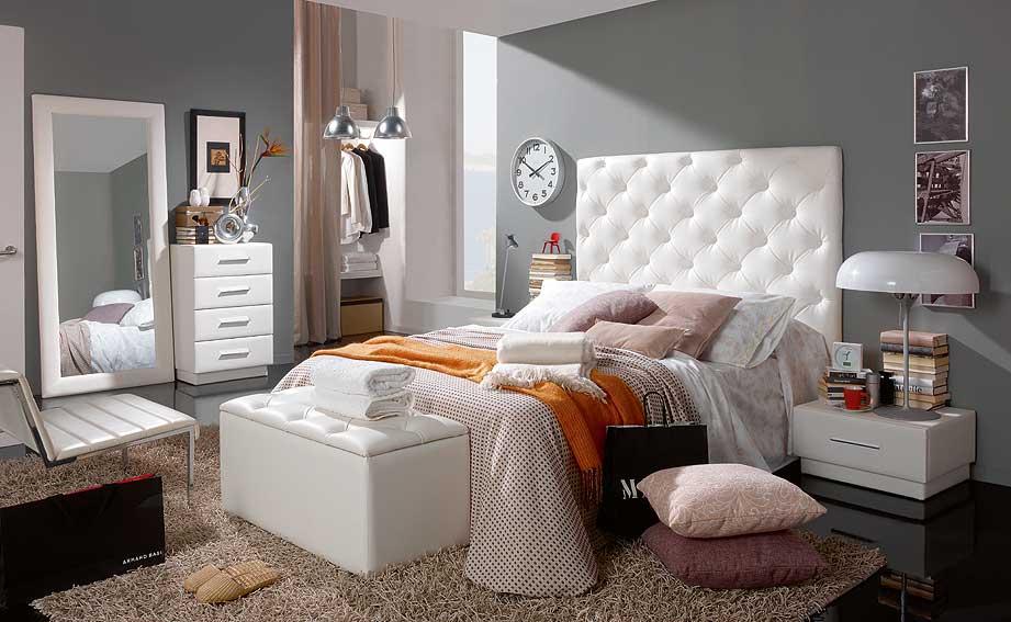 Dormitorios plateados for Cuarto color gris