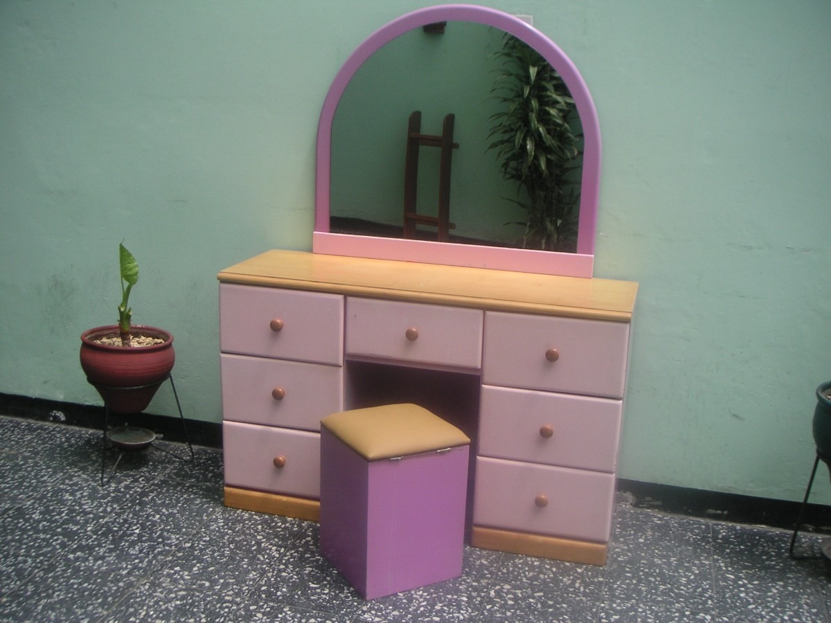 Decoraci n tocadores para jovencitas for Decoracion para comodas dormitorio