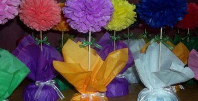 centros de mesa con flores de papel