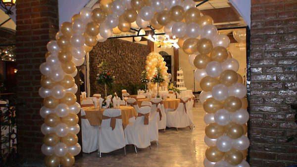 Cómo decorar con globos una boda