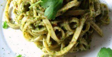 Fettuccini al Pesto