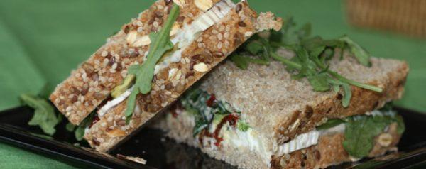 Sándwich de roastbeef y queso emmental