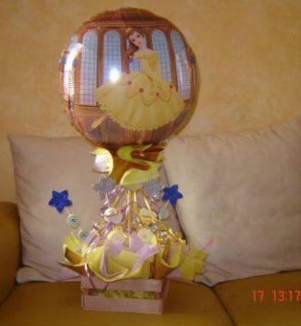centros de mesa con globos y flores