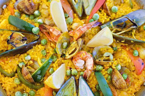 Paella Valenciana Mixta famoso plato de Levante Valencia