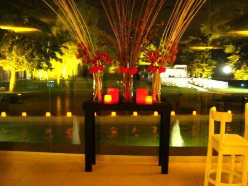 centros de mesa florales para 15 anos