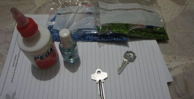 como decorar globos con diamantina