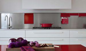 decoracion de cocinas en blanco y rojo