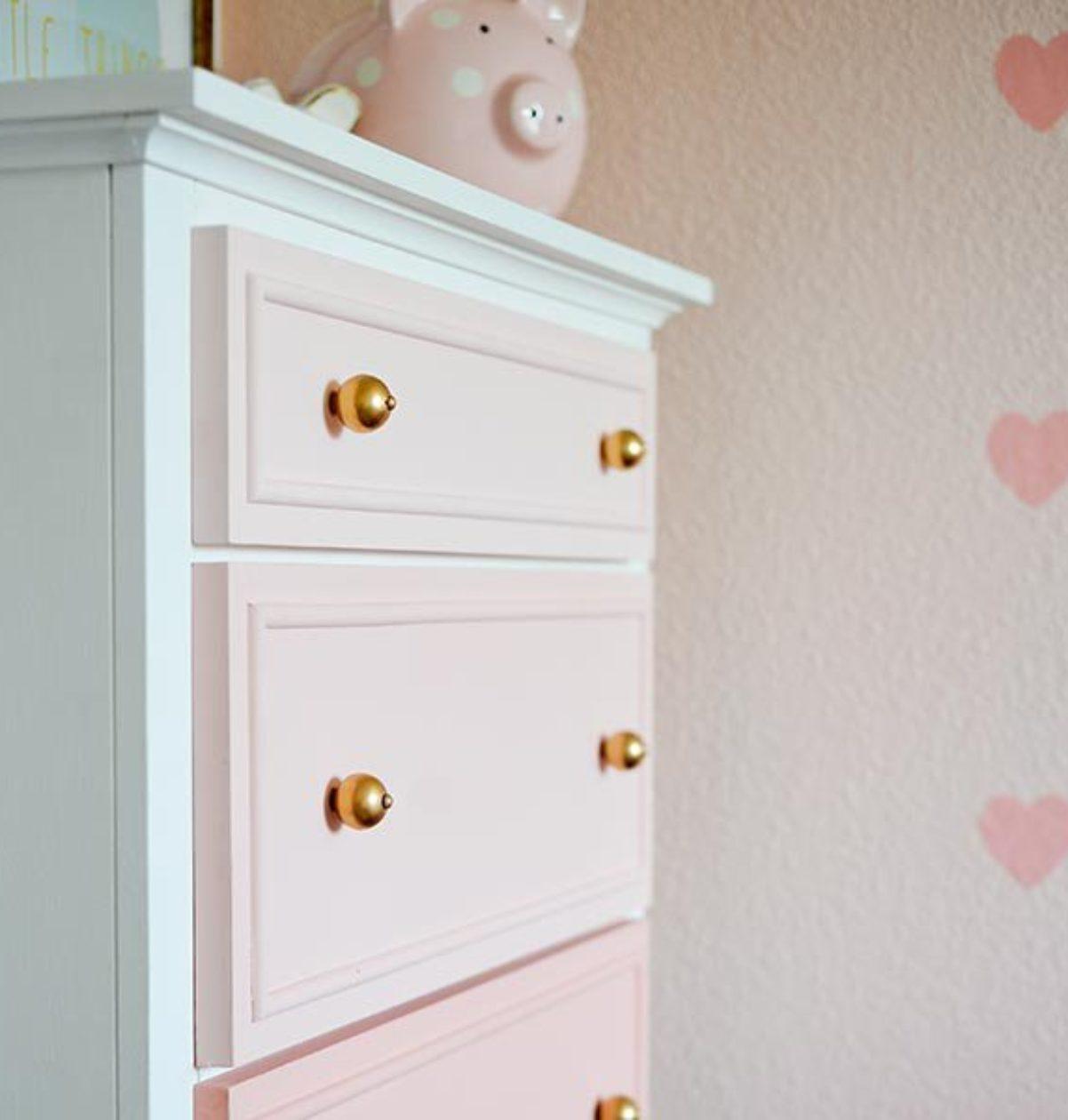 estanteria rosa niña